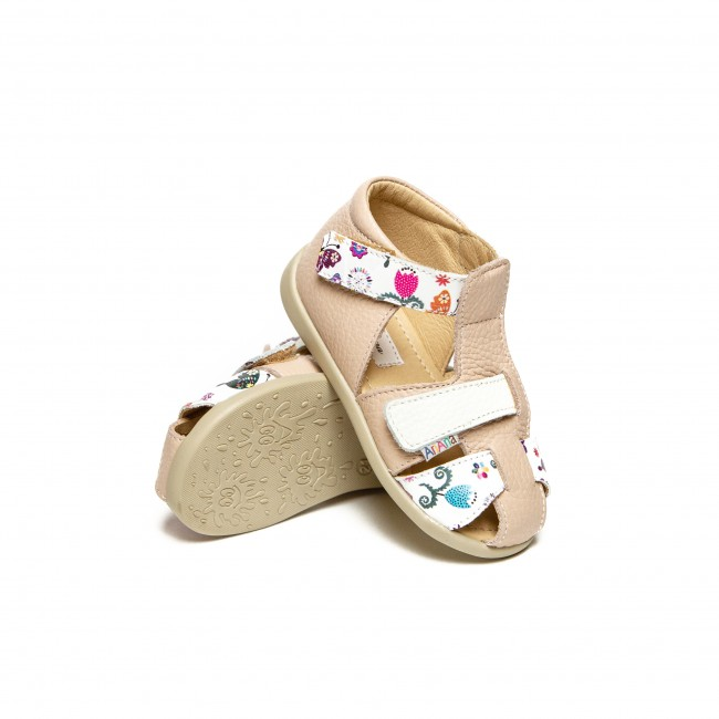 Baby girl natural leather sandals model CHESA