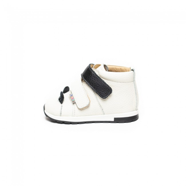 Natural leather ankle boots model AUGUST
