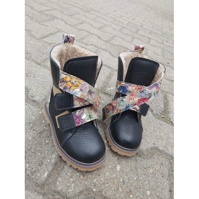 Natural leather baby girl boots model FREJA